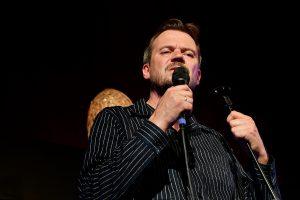 Fuldt hus i Nysted Biograf til Peter Sommer koncert