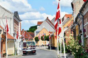 Nye flagstænger til Nysted